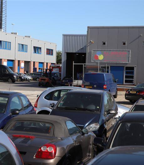 Verkeerscontrole op A2 leidde tot onderzoek en aanhouding bij bedrijfspand Beesd