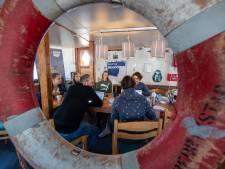 Denkmarathon voor een schone Noordzee in de haven van Urk