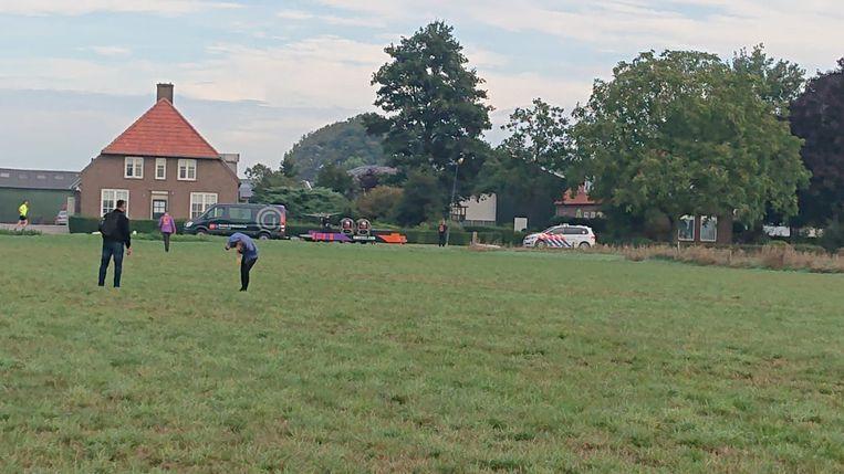 Negentien personen werden na een ballonvlucht gegijzeld in Bokhoven, vlakbij Den Bosch.