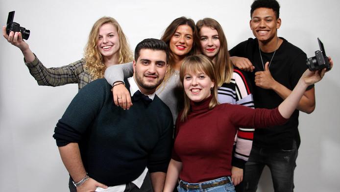 De Youtubers van de Hva. V.l.n.r.: Joey van der Peet, Julian Raouf, Michelle van Nugteren, Jayne van Nuijs, Amber van der Ent, Sofian Maguilej.