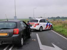 Betrapte inbrekers stelen auto van bewoners in Ede; politie beëindigt achtervolging door ze te rammen op A28