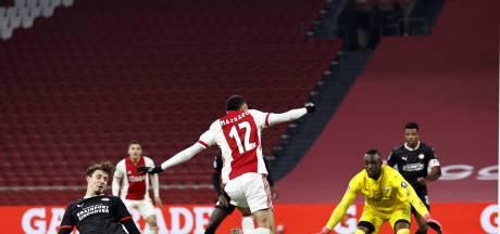 Bekijk hier de mooiste foto's van de boeiende topper tussen PSV en Ajax