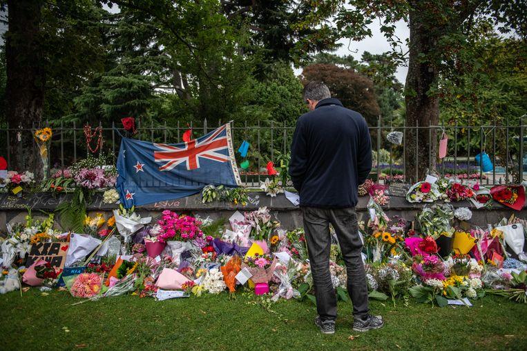 Een herdenkingsplaats nabij de Al Noor moskee in Christchurch, kort na de aanslagen op 15 maart. Beeld Getty Images