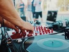"""Un DJ set dans la rue du bourgmestre à Izegem: """"Ce n'était pas une fête de quartier"""""""