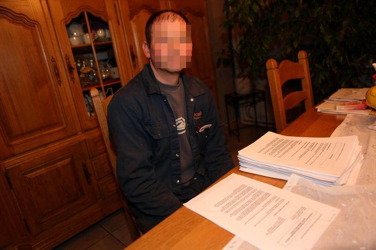 Landbouwer Koen V. uit Gooik, hier op archiefbeeld, ging meermaals in de clinch met de lokale politie.