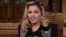 VIDEO: Madonna imiteert Kim Kardashian