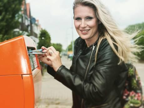 Postmaatje zoekt schrijvers die eenzame ouderen en jarige kinderen een kaartje sturen