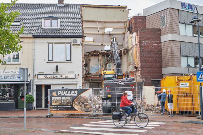 Aan het Heilig Hartplein in Veghel wordt het hoodfkantoor van Hobij uitgebreid. Hiervoor wordt bestaande bebouwing gesloopt.