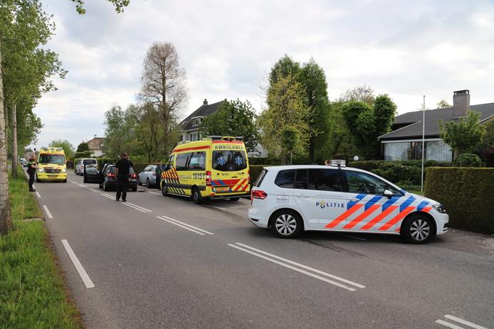 Een botsing tussen drie auto's in Gouda.