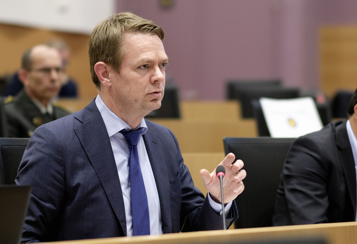 CD&V's Hendrik Bogaert pictured during a session of the chamber commission of Defence at the federal parliament, in Brussels, Wednesday 25 April 2018. Today the commission continues its discussion regarding the F-16 case. BELGA PHOTO ERIC LALMAND
