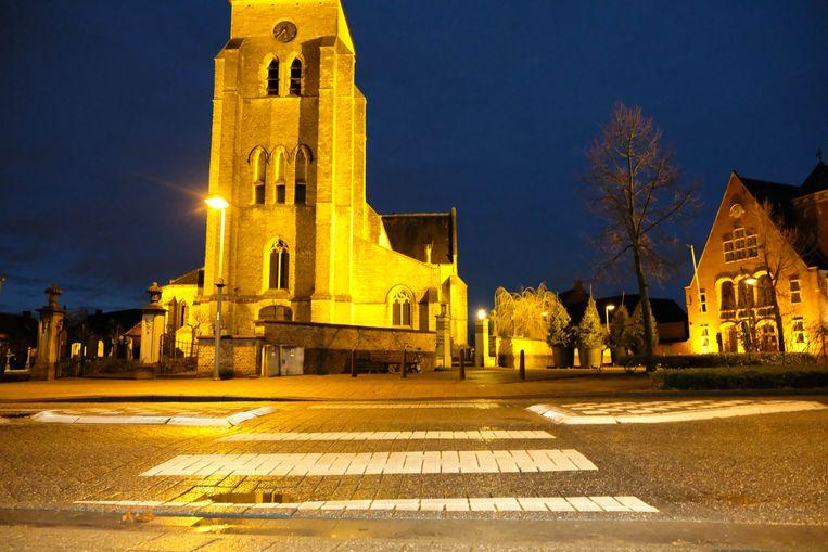 Het slachtoffer stak het zebrapad over aan de kerk van Hallaar.