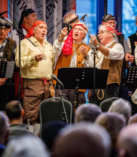 Áls deze piraten in Steenwijk ten onder gaan, dan zal het zingend zijn