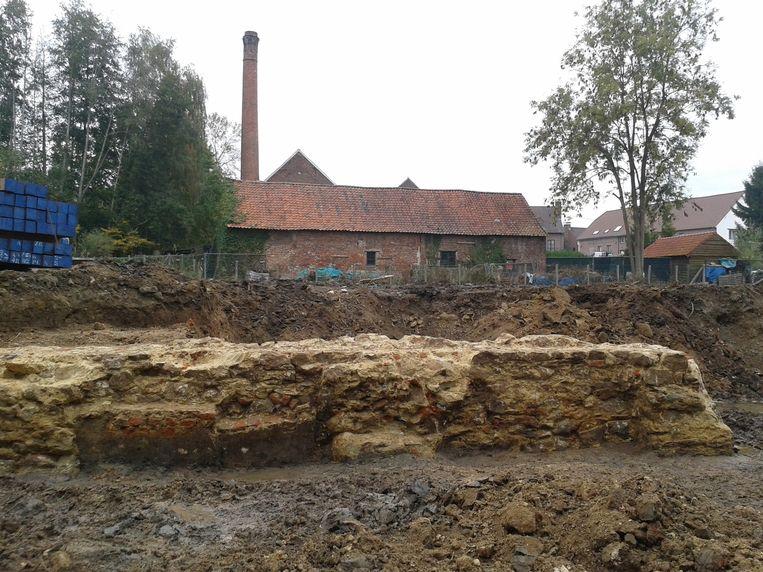 Een deel van de fundamenten van het tot nu toe onbekende gebouw.
