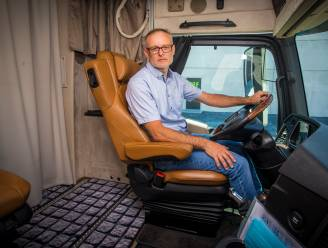 """Geert De Clercq over zijn uitzonderlijk grote motorhome: """"Op maat gemaakt voor mijn gehandicapte zoon"""""""