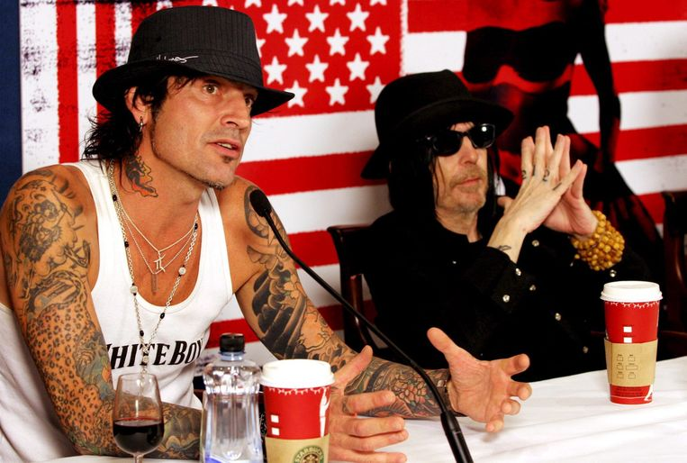 Mötley Crüe-drummer Tommy Lee is woedend op Travis Scott.