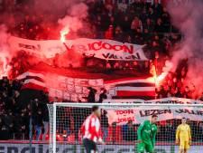 Harde kern PSV zingt ontslagen Van Bommel toe: 'Een clubicoon laat je niet vallen'