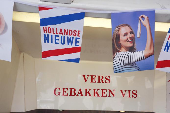 De meeste kramen die vaak vis, loempia's en dergelijke verkopen, mogen op de huidige locatie in Wierden en Enter blijven staan.
