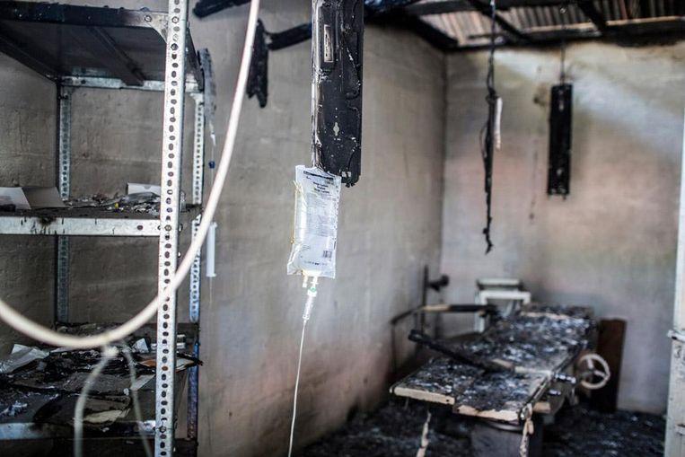 De afgebrande chirurgische afdeling van het Artsen zonder Grenzen ziekenhuis in Leer. Beeld Artsen Zonder Grenzen