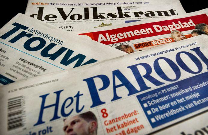 De dagbladtitels van DPG Media: Algemeen Dagblad, Volkskrant, Trouw en Parool.