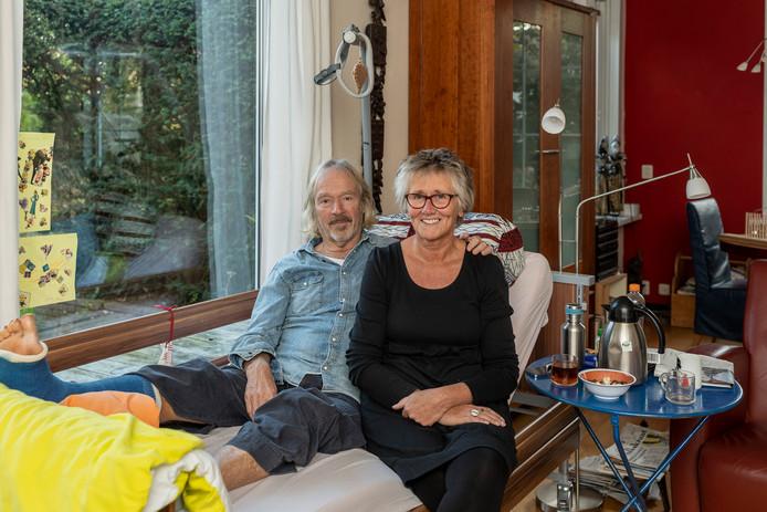 Pieter Mulders en Marianne Velthuis willen geld inzamelen voor het ziekenhuis waar dokter Soulama de voet van Mulders redde.