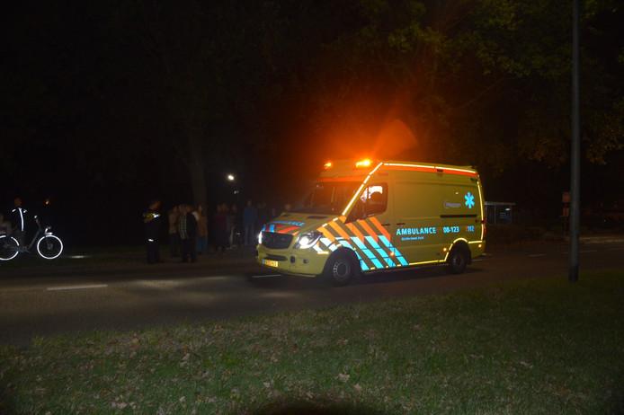 De vrouw is met een ambulance naar het ziekenhuis gebracht.