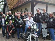 Winterswijkse Fenneke beleeft motoravontuur in kader nationale ouderendag