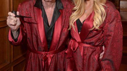 Zijden pyjama van Playboy-baas kan voor 1.770 euro van u zijn