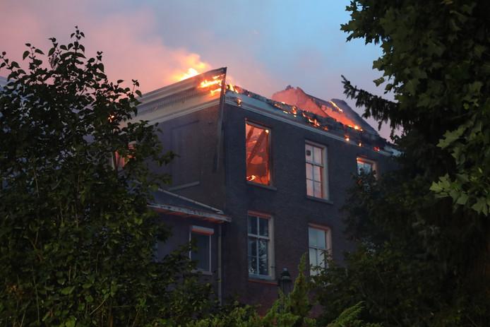 Brand landgoed Haarendael in Haaren