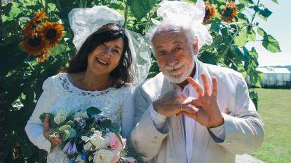 """Urbanus en Nadine vieren 25ste huwelijksverjaardag in kledij van toen: """"We waren zondaars op onze eigen trouw"""""""