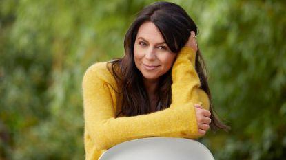 Voormalig K3-zangeres Kristel Verbeke krijgt van Kringwinkel meer dan 8.000 euro voor Kinderarmoedefonds