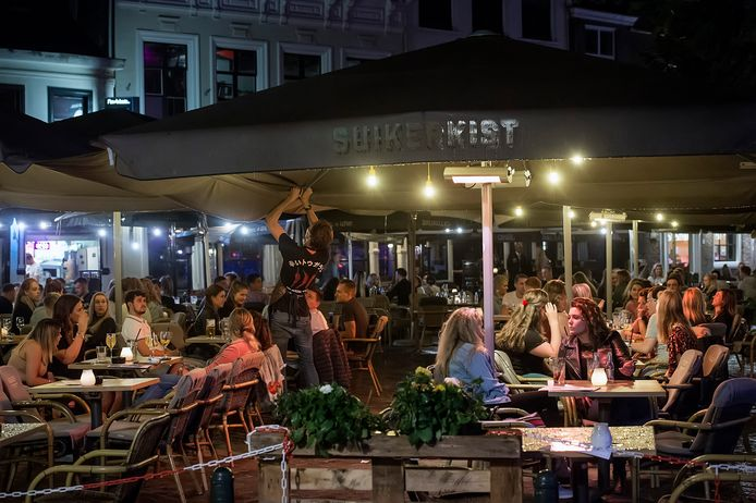 Archieffoto: Overzicht van de Havermarkt waar op rustige momenten met genoeg ruimte de coronaregels makkelijker zijn na te leven.