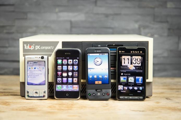 Telefoons door de jaren heen.