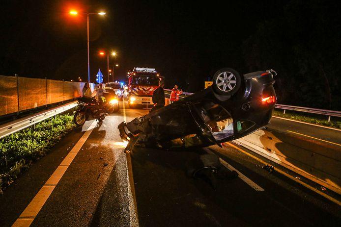Over de oorzaak van het ongeval is nog niets bekend.