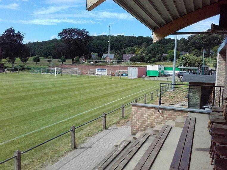 De infrastructuur van VK Linden is volgens vele spelers te erbarmelijk om nog bij de ploeg te blijven spelen.