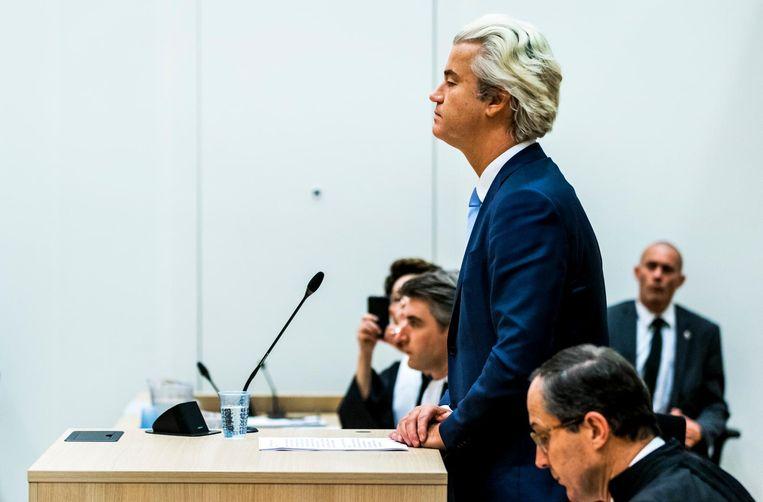 Geert Wilders tijdens de rechtszaak over zijn 'minder Marokkanen' uitspraak. Beeld anp