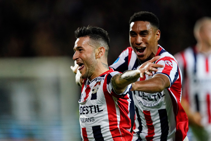 (L-R) Pol Llonch of Willem II Celebrates 2-0 with Driess Saddiki of Willem II during Willem II - RKC Waalwijk NETHERLANDS, BELGIUM, LUXEMBURG ONLY COPYRIGHT BSR/SOCCRATES