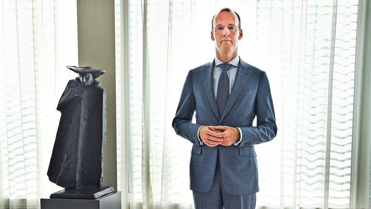 Klaas Knot, president De Nederlandsche Bank: 1,91 meter degelijkheid. Beeld Guus Dubbelman
