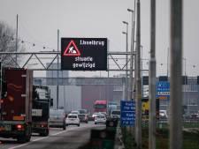 Tientallen ogen zien hoe auto's over A12 rijden: 'Van gele strepen en borden schrikken mensen'