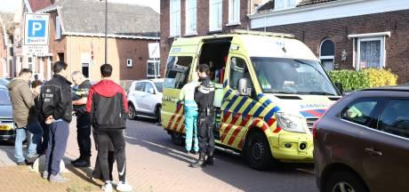 Jongetje geraakt door auto tijdens spelen met vuurwerk in Tiel