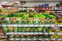 Knorr-producten met Poolse opschriften in de Poolse supermarkt.