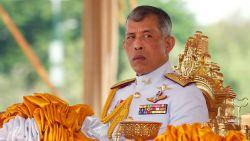 Protest en een petitie: bevolking wil Thaise koning weg uit Duits luxehotel