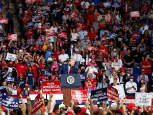 Une flambée de cas à Tulsa après le meeting polémique de Donald Trump