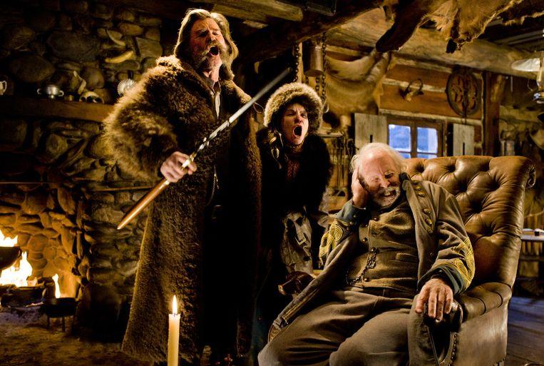 Kurt Russel (l), Jennifer Jason Leigh (m) en Bruce Dern in The Hateful Eight. Beeld The Weinstein Company
