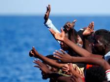 In drie dagen 1500 migranten gered; vrouw overlijdt na bevalling in rubberbootje