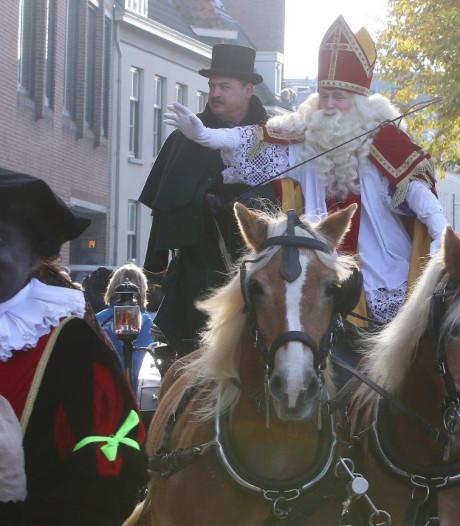 Bossche Sint gaat nooit meer op paard: 'Een koets is veiliger en comfortabeler'