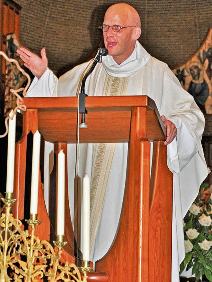 De nieuwe kapelaan Hans van der Donk.