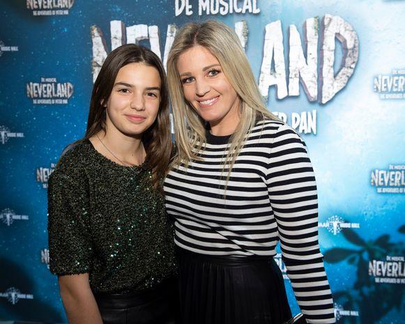 Eveline Hoste met haar dochter Helene Victoire in februari.