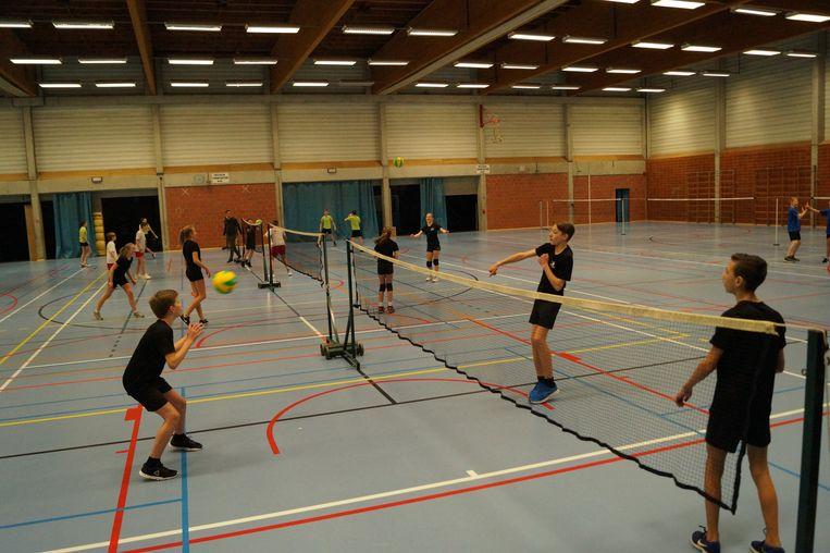 Leerlingen van De Bron speelden samen met leerlingen van Regina Pacis, het VTI en het Sint-Jozefsinstituut. Dat kan sinds kort tijdens de lesuren in Tielt.