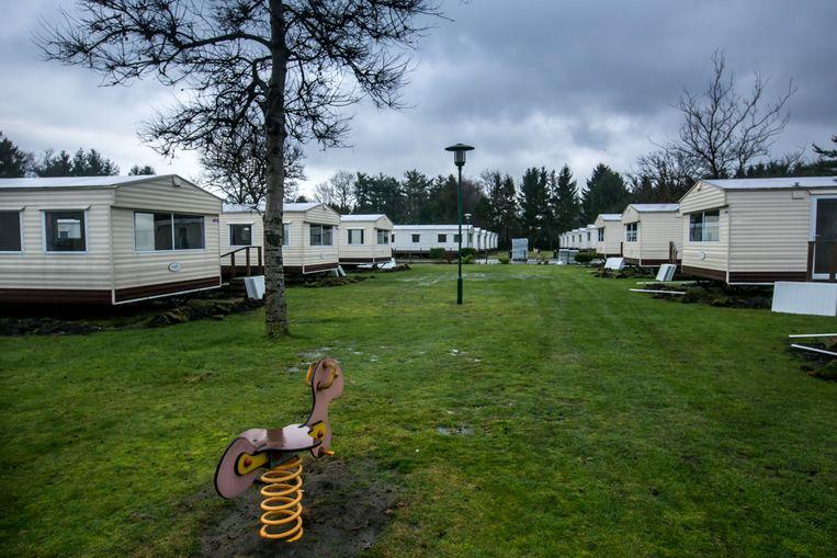 Francken en Jambon bezoeken asielcentrum gelegen op vakantiepark parelstrand in Lommel