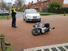 Scooterrijder raakt gewond bij aanrijding met auto in Lievelde
